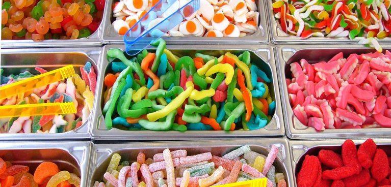 Eine bunte Süßigkeitenauswahl