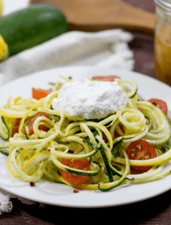 zoodles with red pepper and lemon vinaigrette