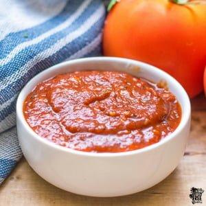 bowl of gluten free 5 minute marinara sauce