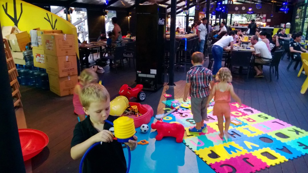 child-entertainment-facilities-restaurants-4