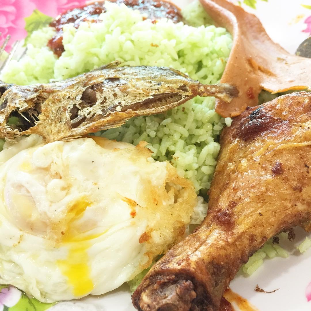 cheap-and-good-nasi-lemak-singapore-4