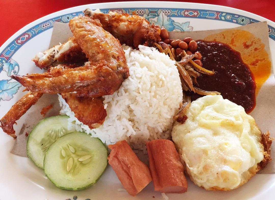 cheap-and-good-nasi-lemak-singapore-6