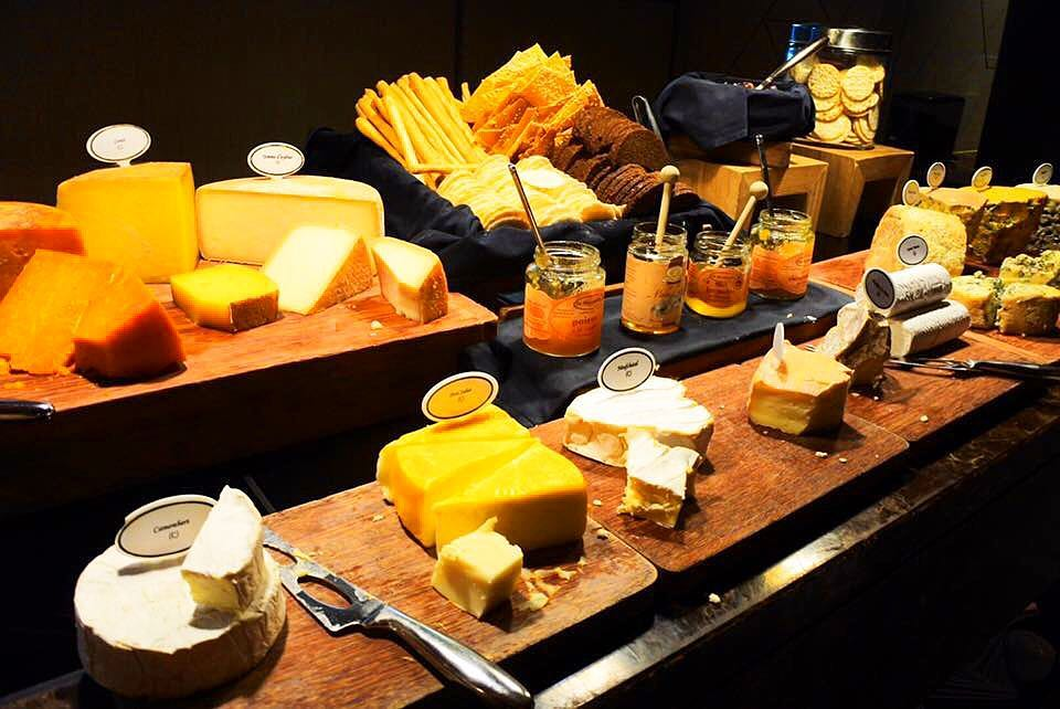 Cheese buffets - club 55