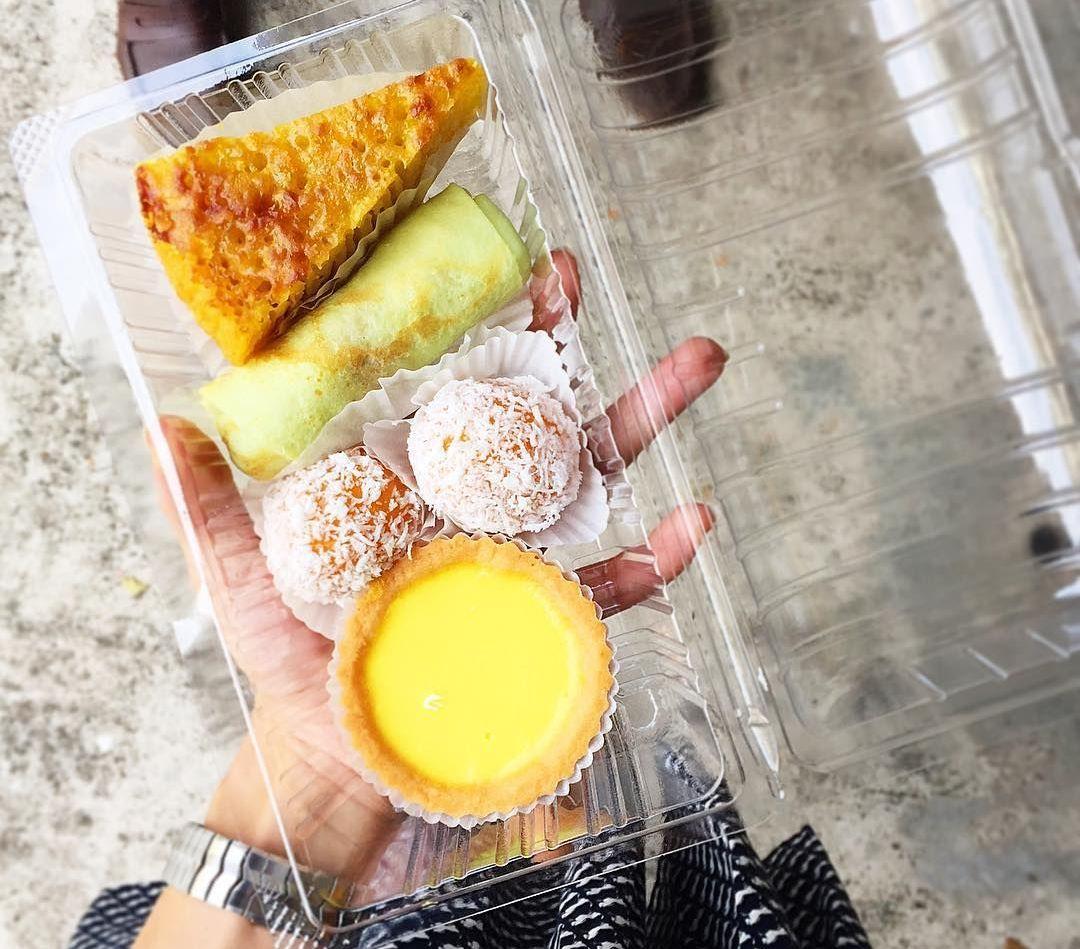 old-school egg tarts - Tiong Bahru Galicier Bakery