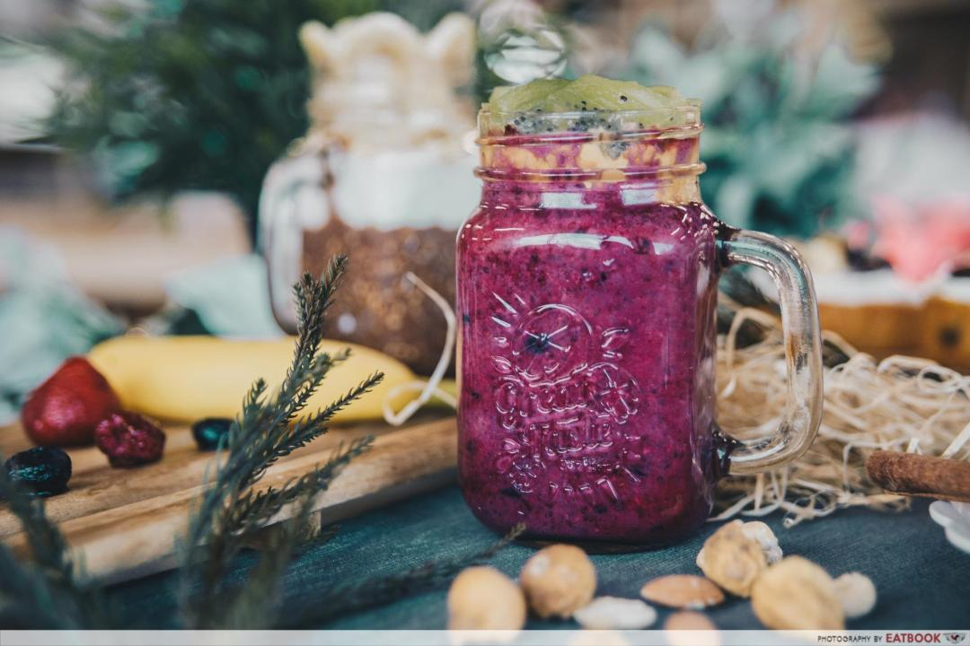 low-carb breakfasts - berry mix