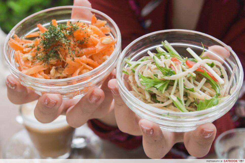 Tokyo treehouse cafe - side salald