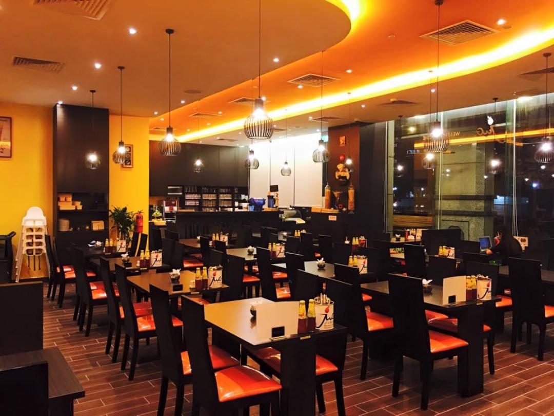 Halal Date Night - J's Wok & Grill Ambience