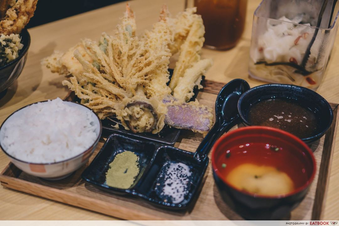 Seafood in the west akimitsu tempura rice set