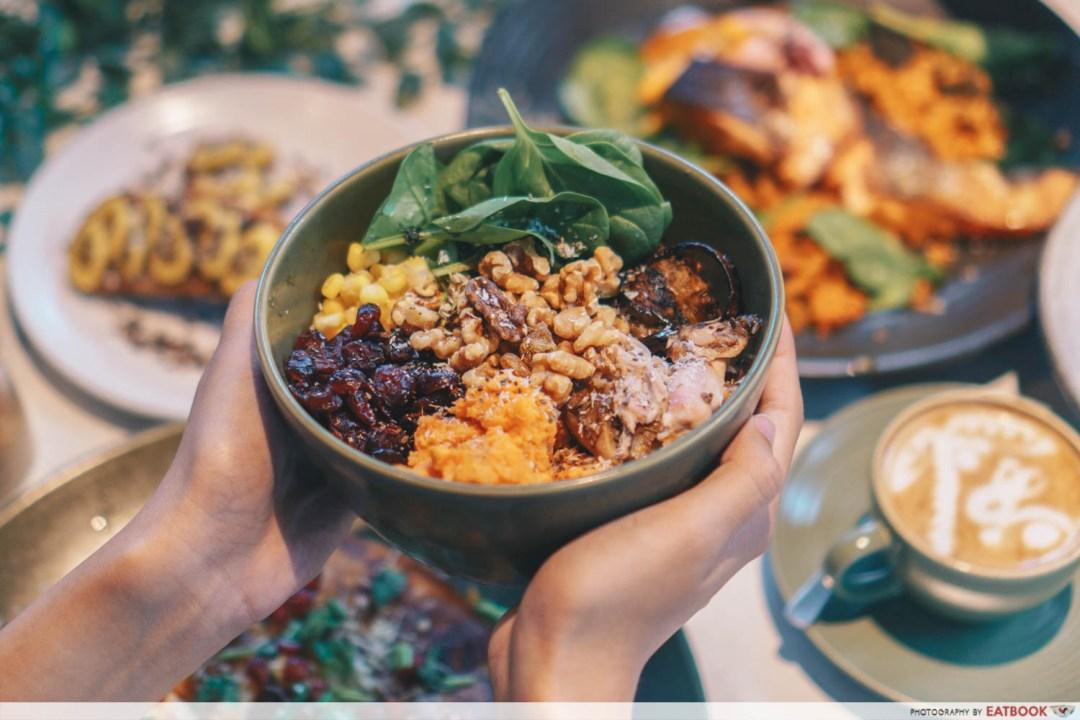People & Places rainbow salad bowl