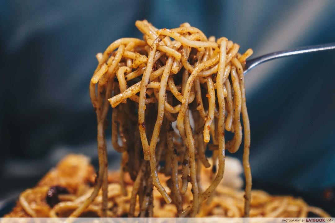 Roger's Kitchen ma la pasta pull