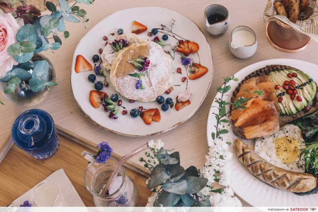 12 New Restaurants June - Cafe de Nicole's Flower