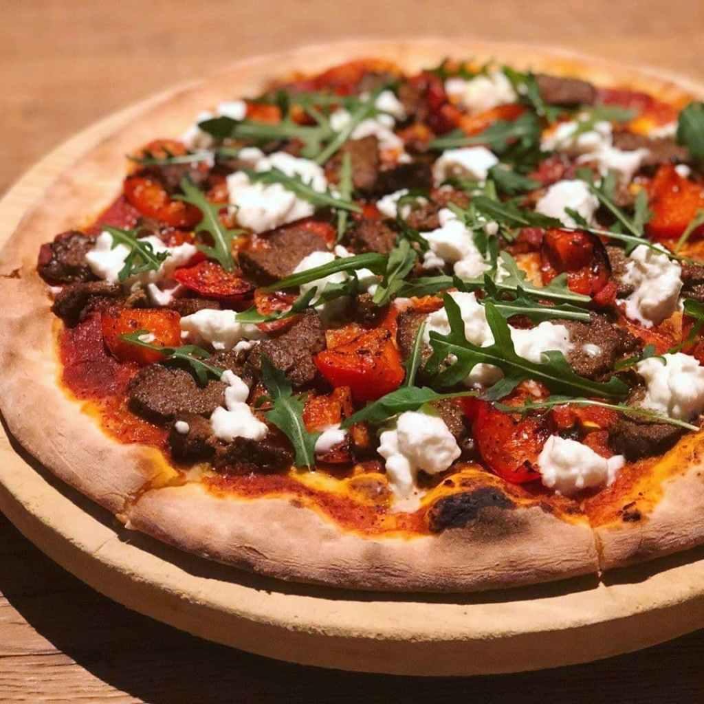 Wood-fired pizza Ricciotti