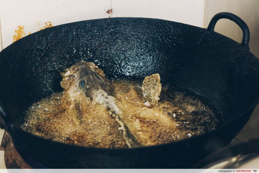 Luck Xiao Chao - frying fish