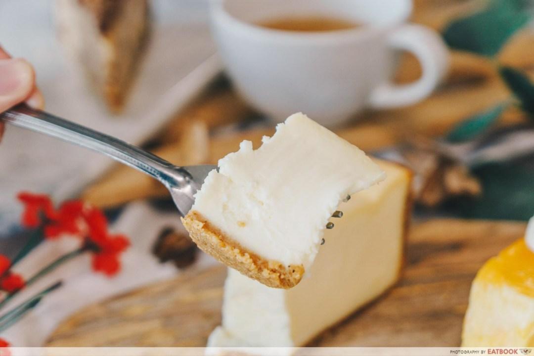 Beverly Hills Cheesecake - Interaction Classic Cheesecake