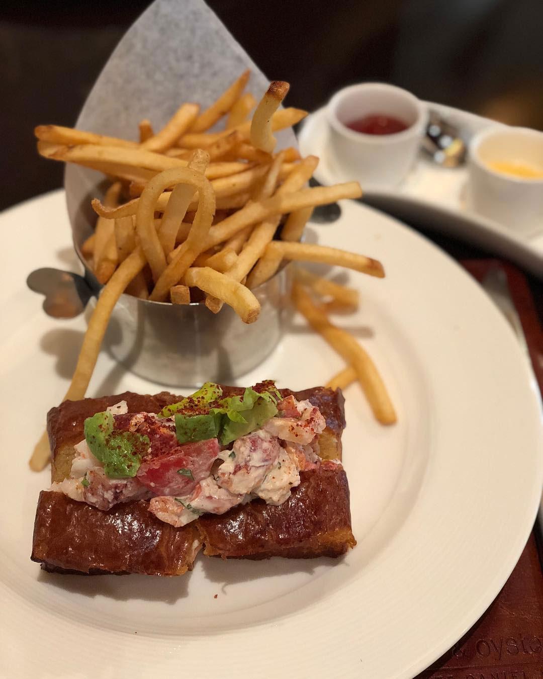 lobster rolls db bistro & oyster bar