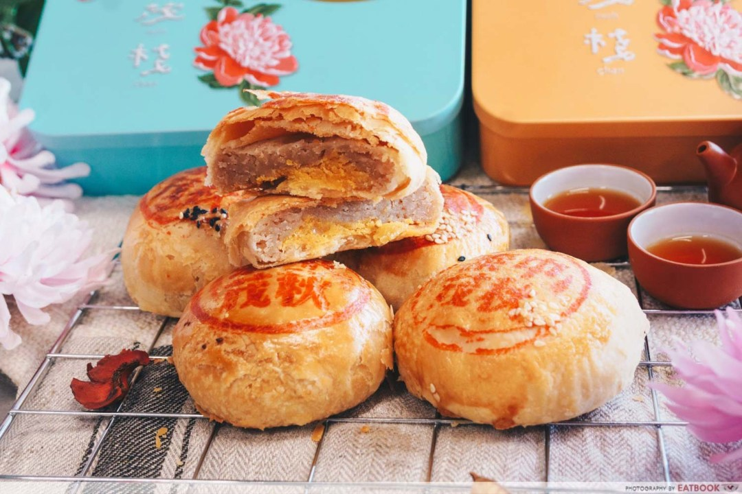Mooncakes - Yam with salted egg yolk