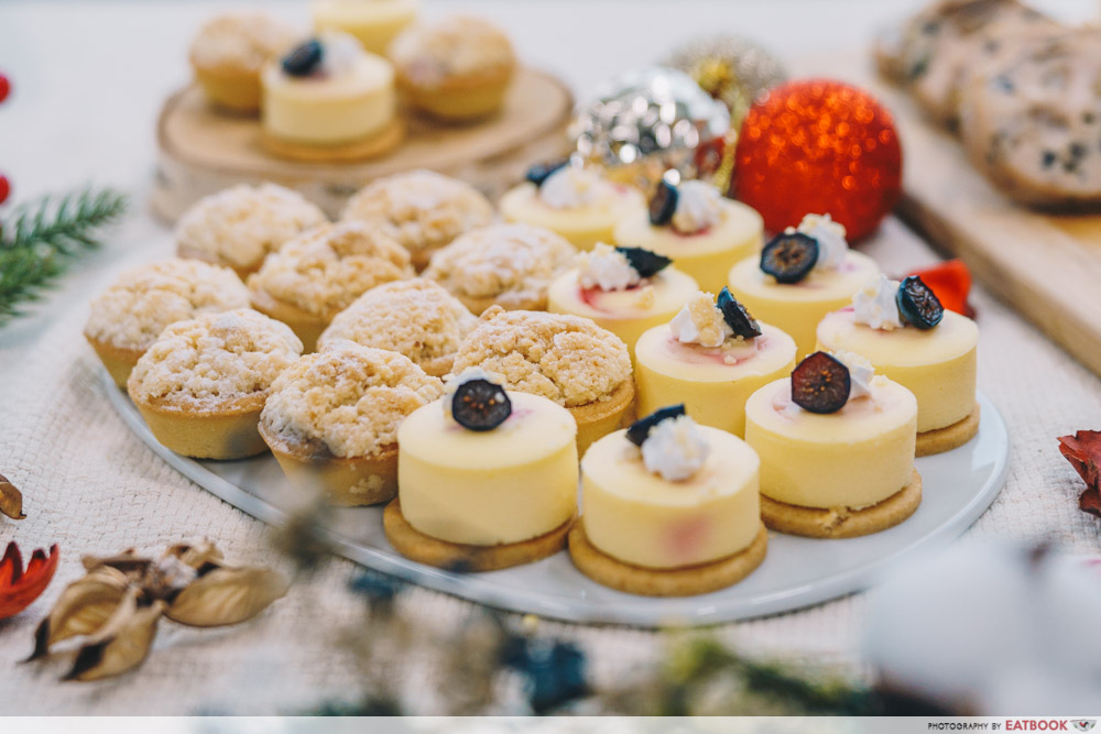 LAVISH Catering - Cheese cake and tarts