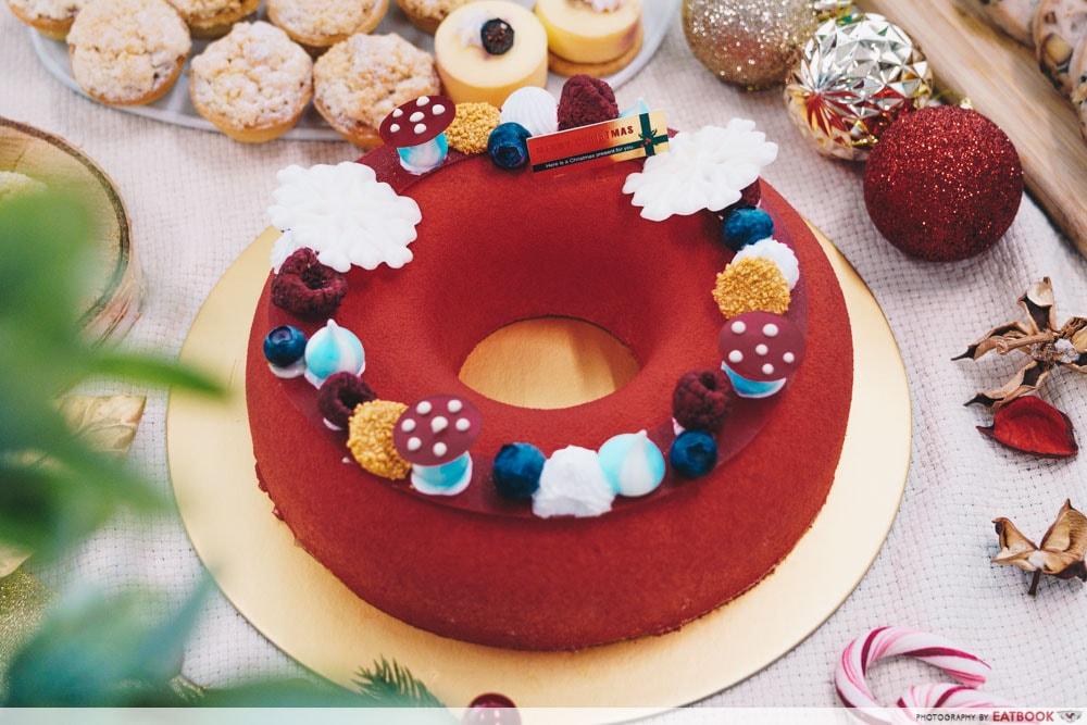 LAVISH Catering - Santa's Christmas Cake