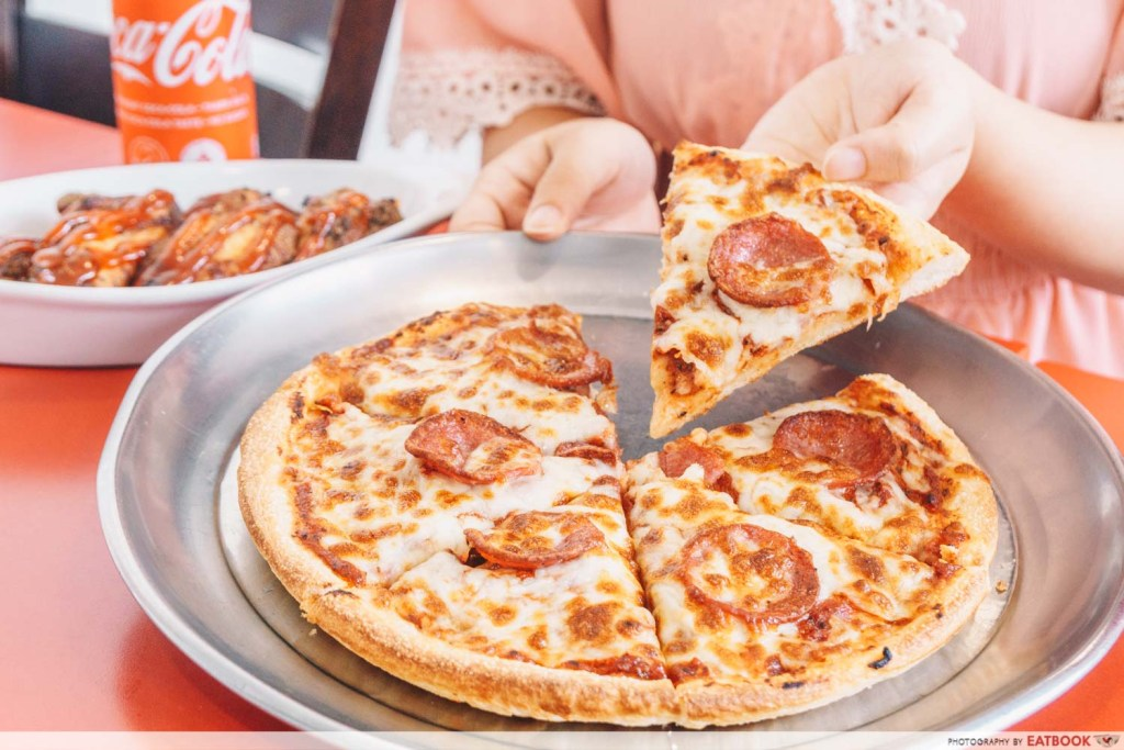 Tampines West Dining Spots Sarpino pizza peperoni
