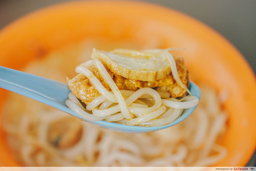 Yong Hua Delights - Spoonful of laksa noodles