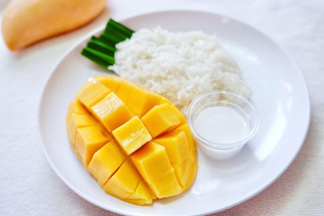 No-Bake Asian Desserts - Mango Stick Rice