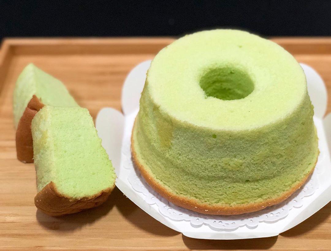 No-Bake Asian Desserts - Pandan Chiffon Cake
