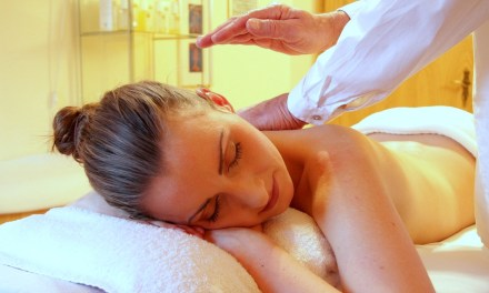 Start your holiday with an airport massage