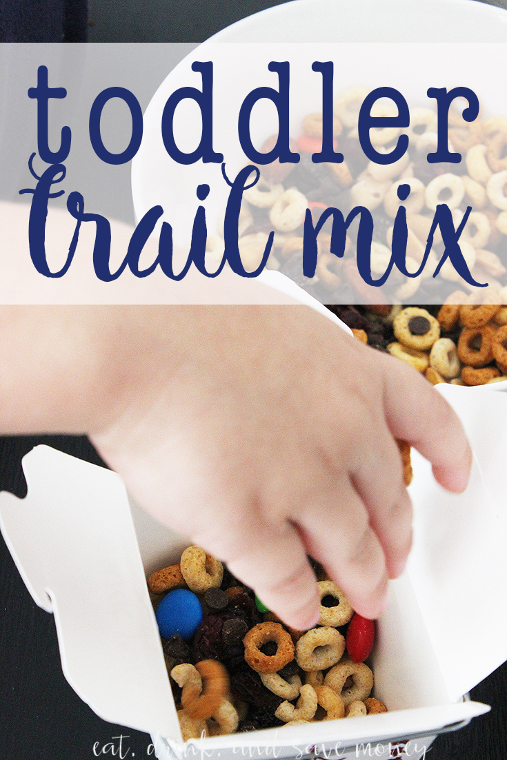 Looking for an easy edible activity with your toddler? Try making toddler trail mix! It's easy and fun