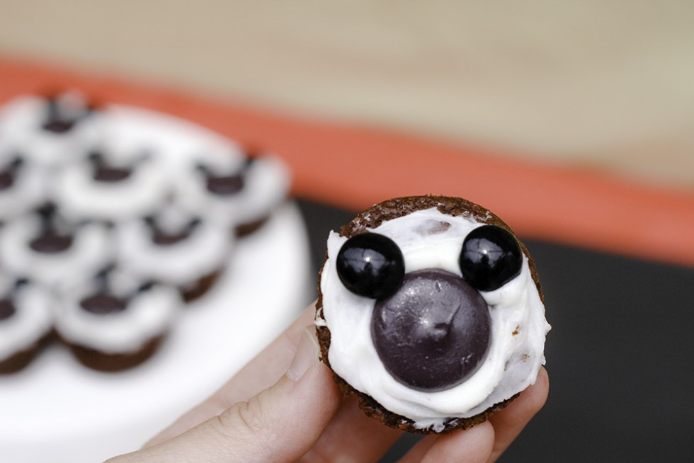 mickey themed party Cute Mickey Brownies #DisneyKids