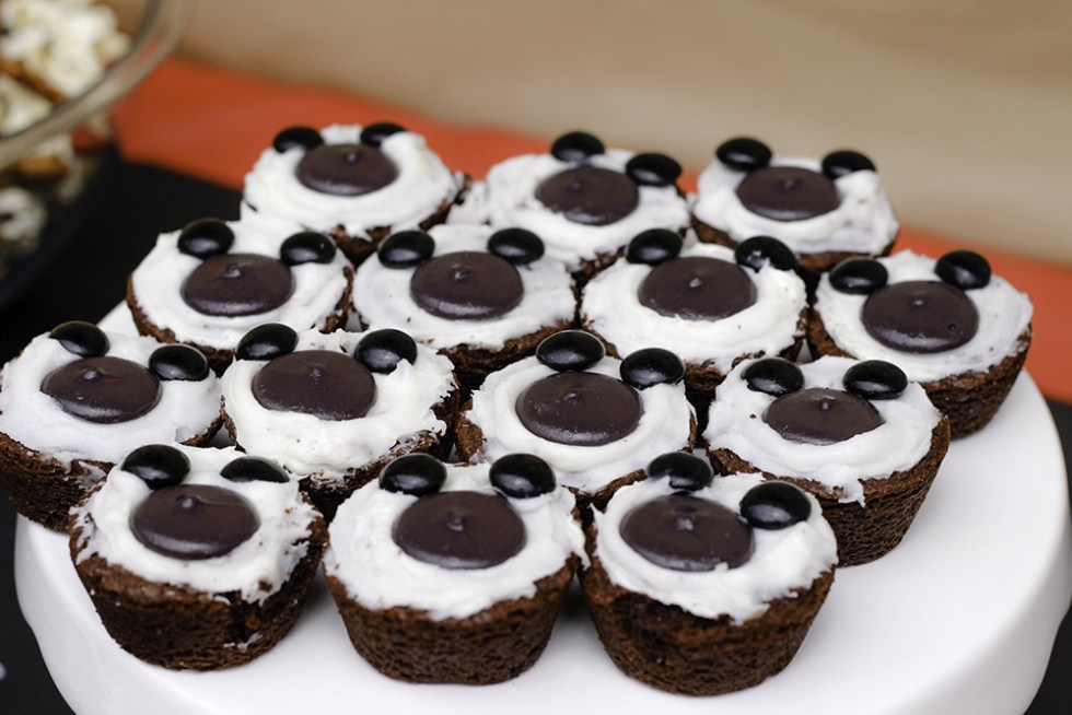 Yum Mickey themed treat brownies for #DisneyKids party