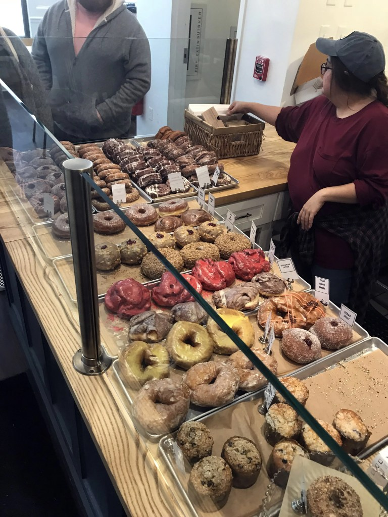 The Blogetarian's Review: Knead Doughnuts