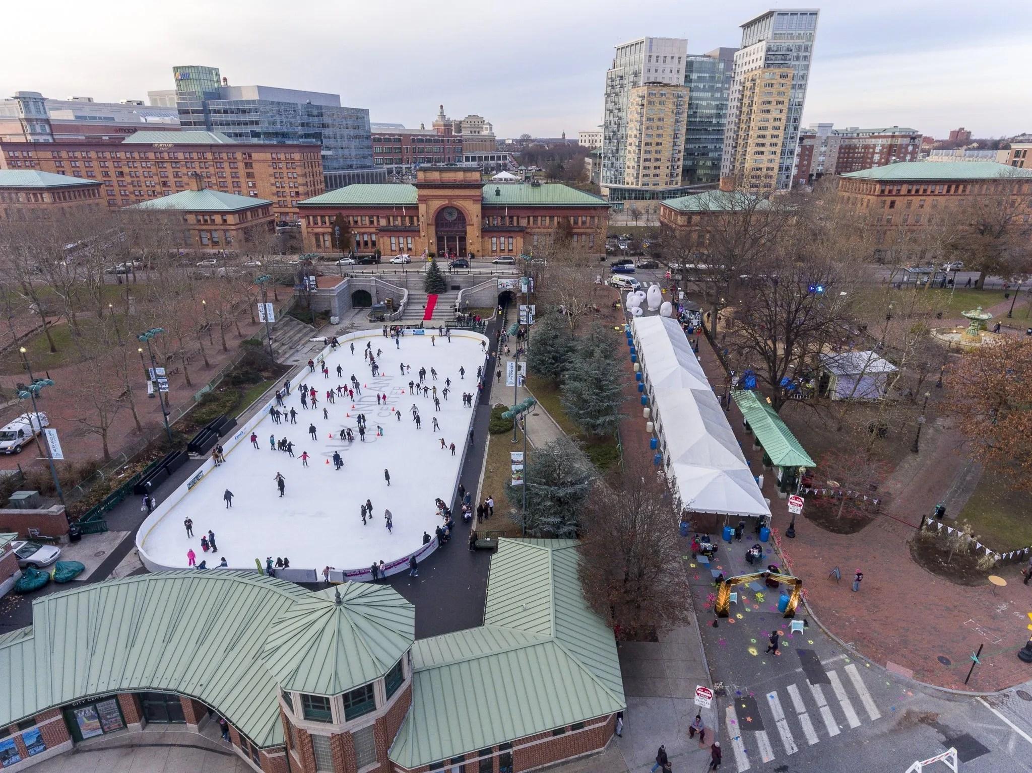 Kennedy Plaza Christmas Tree Lighting 2020 PVD Winter Lights Market 2019 – Eat Drink RI