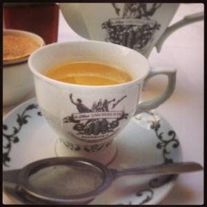 Teapot of Victorian Mojito