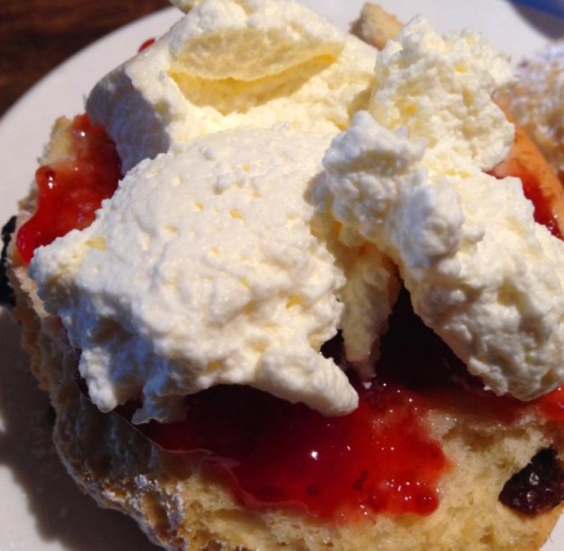 Scones with Jam & Fresh Cream