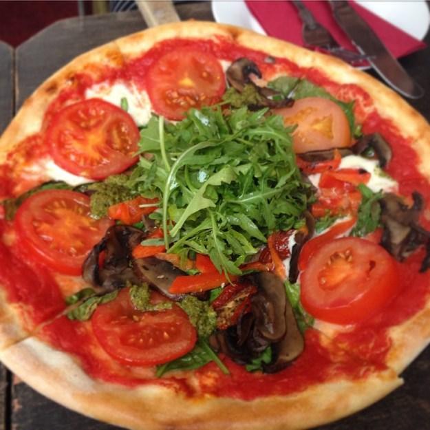 Pesto Veg Pizza