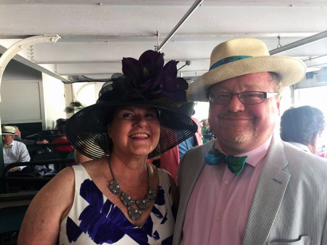 Finbar Kinsella (r) and his wife, Kathy Schmitt.