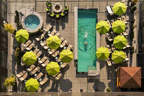 Four Seasons Pool 2
