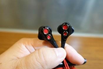 【3C開箱體驗】UiiSii BA-T8 雙動圈入耳式線控耳機