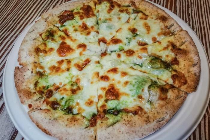 木盒子柴燒窯烤披薩 桃園披薩推薦-浪漫花園裡吃蔬食窯烤披薩當下午茶附餐廳菜單價錢、停車交通2020