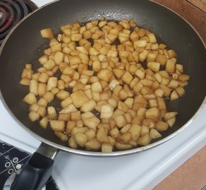Apple pie topping preparation
