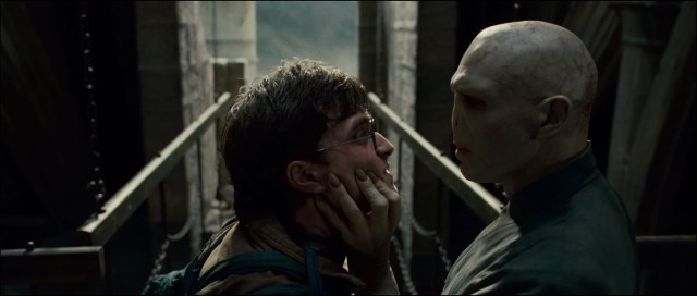 Harry-Potter-and-the-Deathly-Hallows-Trailer-harry-potter-and-lord-voldemort-13959532-1920-816