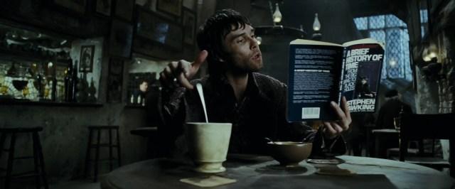 Un mago mentre compie uno degli incantesimi non verbali a cui non abbiamo mai fatto caso