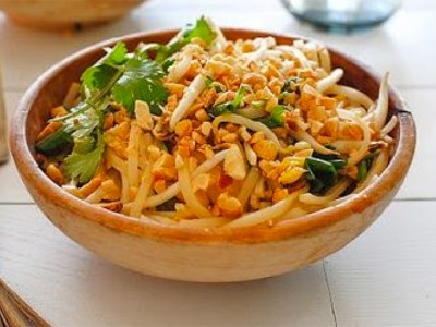 lighter-tofu-pad-thai-800X600