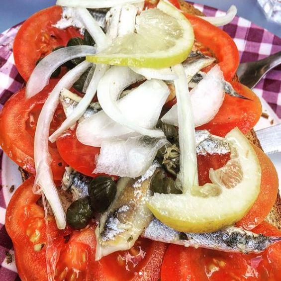 tartine anchovies