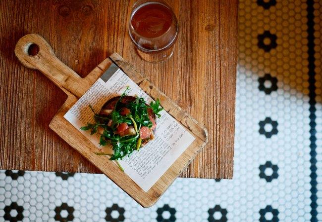 Napar, cerveza artesanal y platillos para compartir