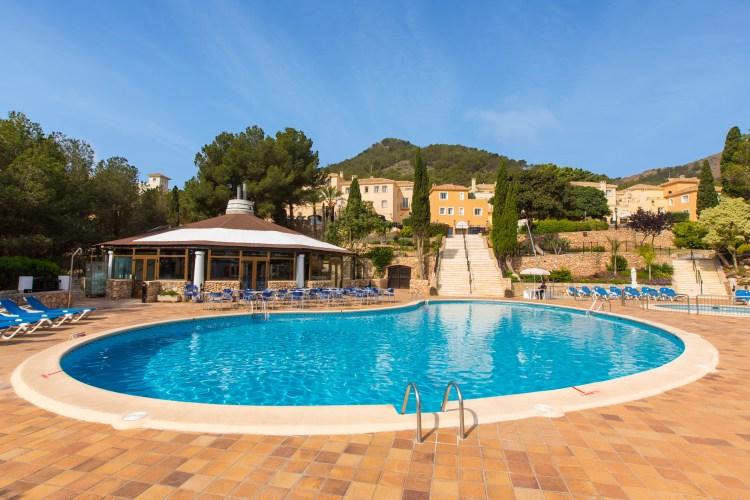 Principe Felipe: Las Lomas pool