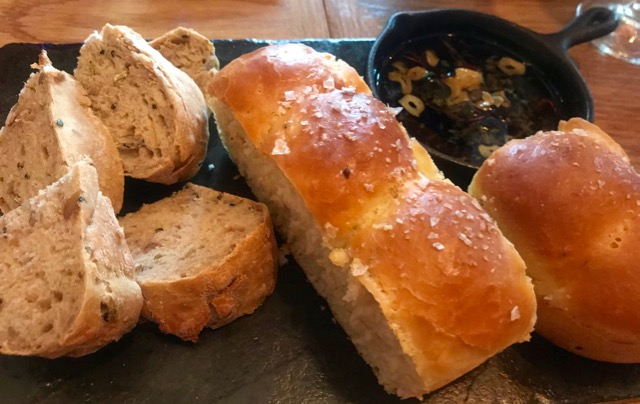 La Mouette: bread board