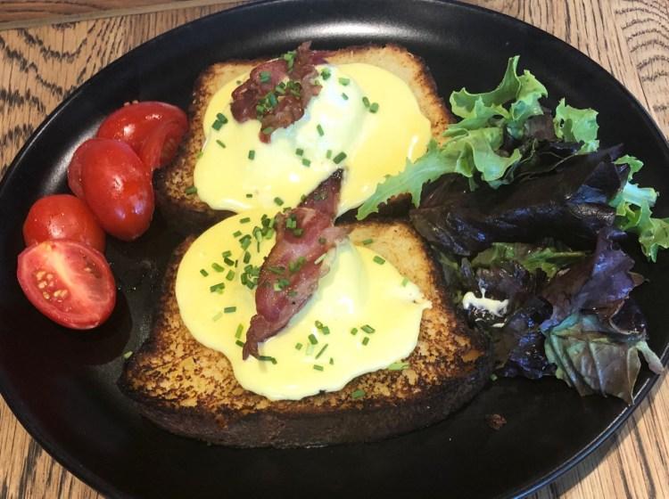 Coco Safar: Eggs benedict