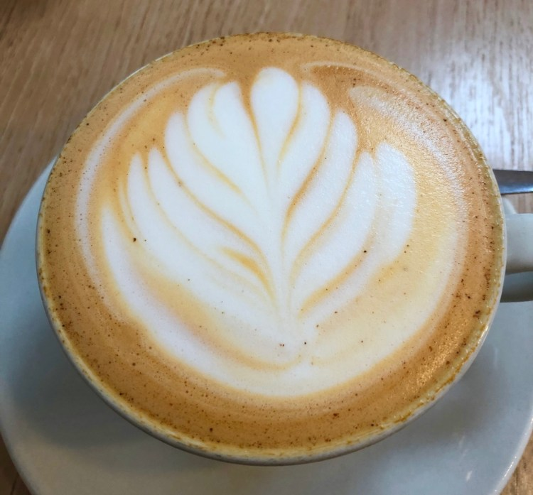 Kleinsky's: cafe latte