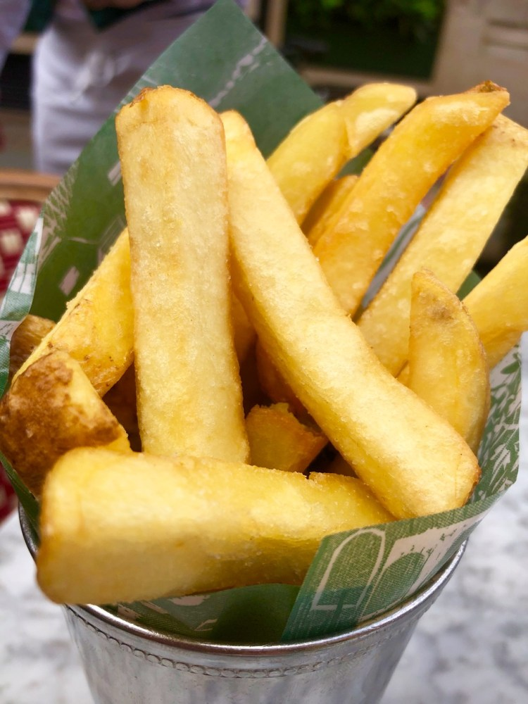 The Ivy Market Grill: chips